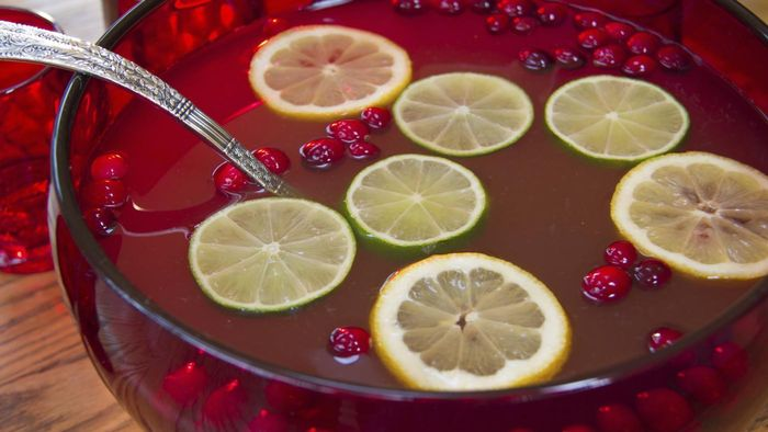 How Do You Make Ginger Ale Punch?