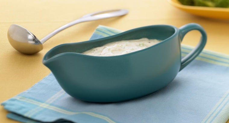 What Are Some of Paula Deen's Gravy Recipes?