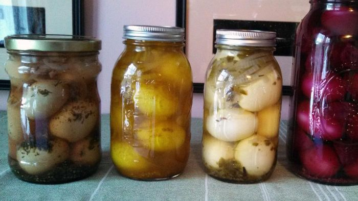What Is a Basic Recipe for Pickled Eggs?
