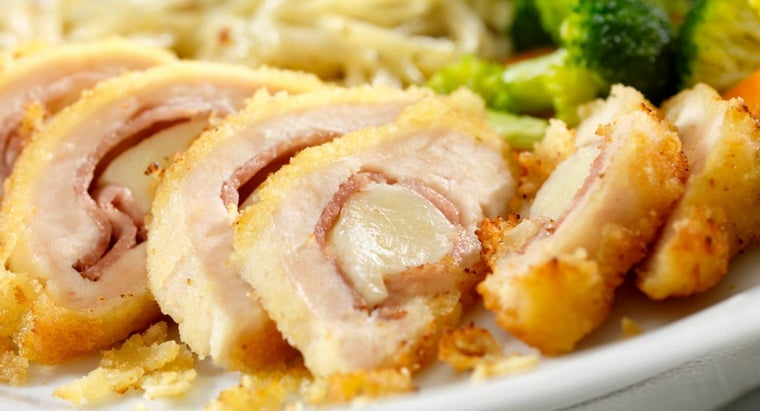 What Is a Recipe for Baked Chicken Cordon Bleu?