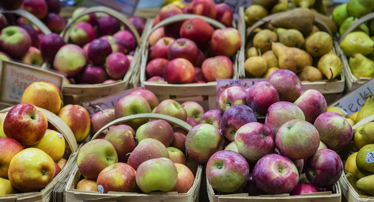 What Are Some Common Apple Varieties?