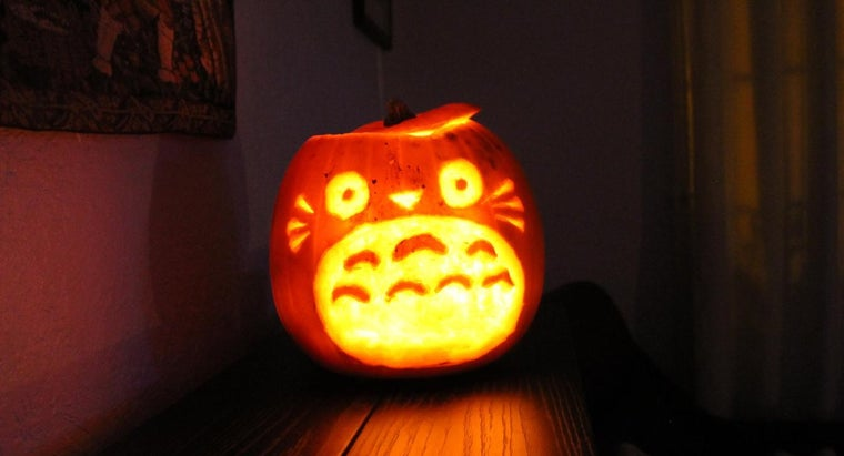 What Are Some Design Ideas for Pumpkin Carving?