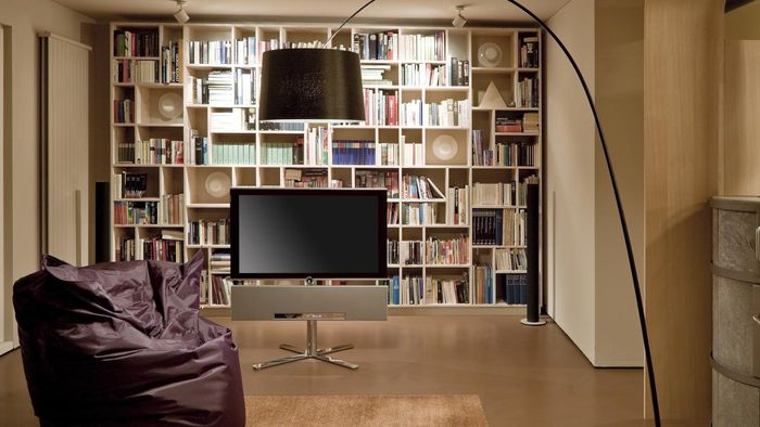 What Are Some Decorating Ideas for Small Living Rooms?