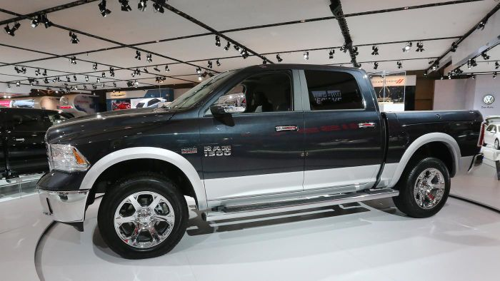 What are the specs of a Dodge Ram 1500 5.7L HEMI?