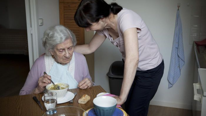 What Are Some Senior Assistance Programs for Those With Alzheimer's?