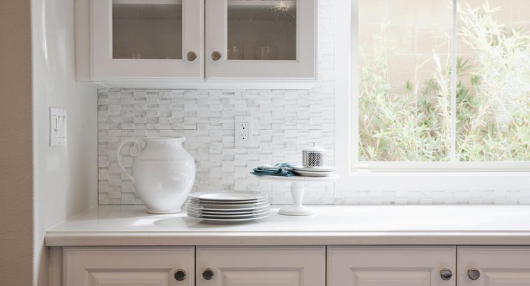 What Are Some Ideas for a Kitchen Tile Backsplash?