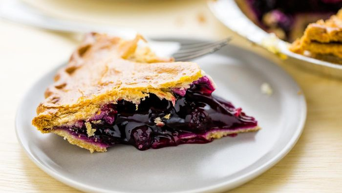 What Are Some Uses for Comstock Blueberry Pie Filling?