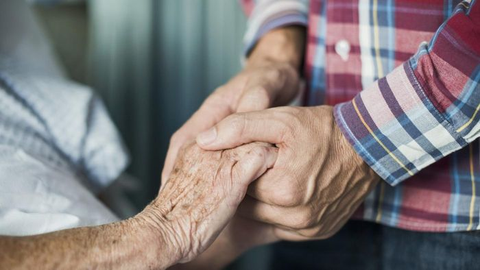What Are End-of-Life Symptoms for Hospice Patients?