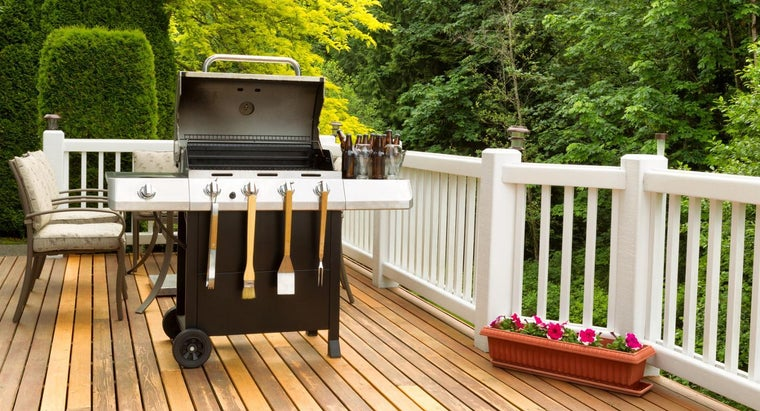 What Are Step-by-Step Instructions for Building a Deck?