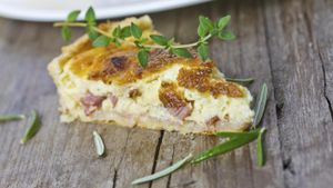 What Cheese Is Best for Making a Ham & Cheese Quiche?
