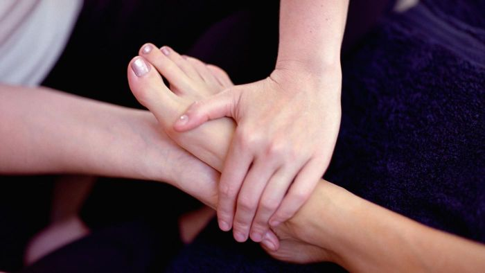 What does a foot reflexology diagram display?