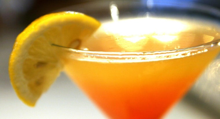 What Is in a Fuzzy Navel Drink Recipe?