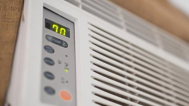 How Do You Use the Fan Setting on an Air Conditioner?