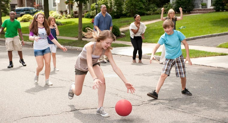 What Are Some Rules for Elementary Kickball?