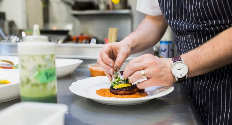What Are the Duties of a Line Cook?