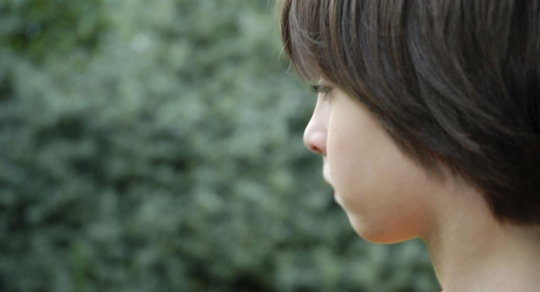 What Are Some Symptoms of Asperger's Syndrome in Boys?