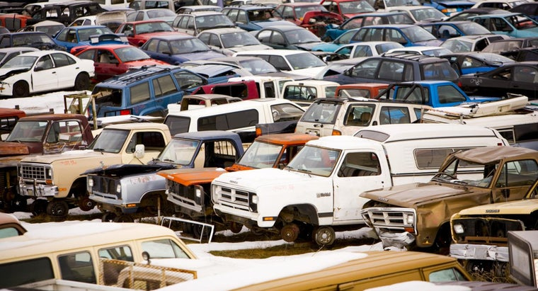 What Should You Look Out for Before Buying a Salvage Truck?