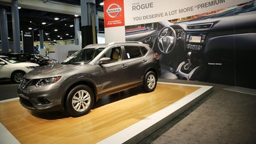 What Are the Specifications for the Nissan Rogue?