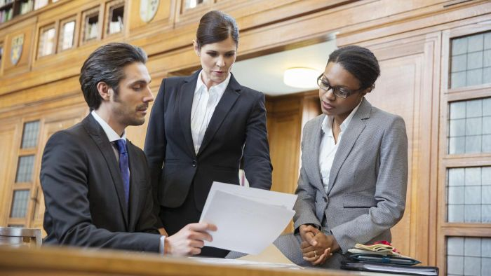 When Do You Need to Consult a Car Accident Lawyer?