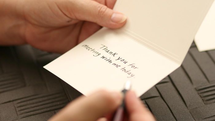 What Are Some Good Examples of Words to Use in a Thank-You Note?