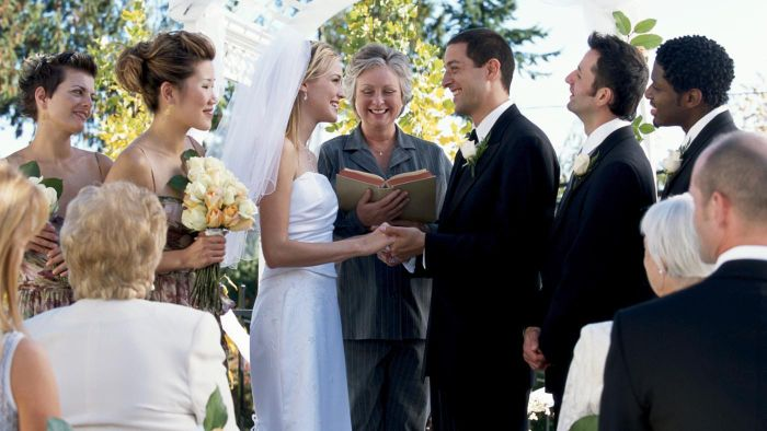 What Are Some Bible Verses for Marriage Vows?