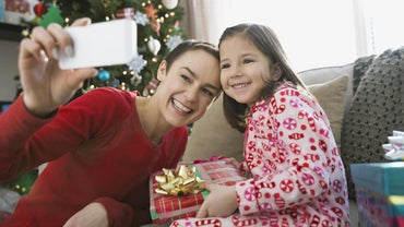 How Do You Procure Free Holiday Images?