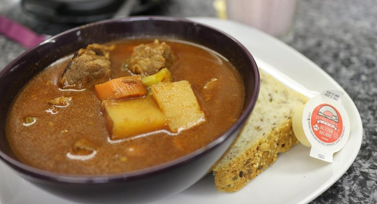 What Is a Good Recipe for Old-Fashioned Beef Stew?