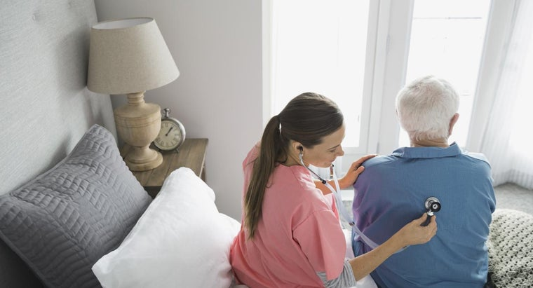 What Kind of Treatments Are Available for Seniors With Pneumonia?