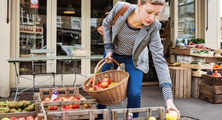 What Kind of Foods Should Be on a Clean-Eating Grocery List?