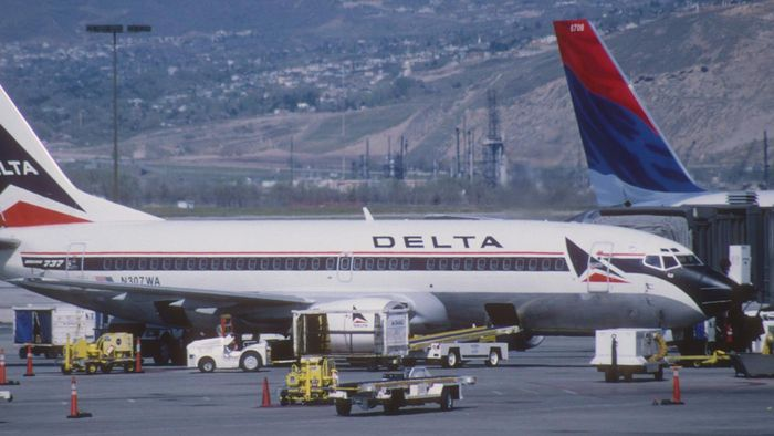 How do you check in baggage with Delta Airlines?