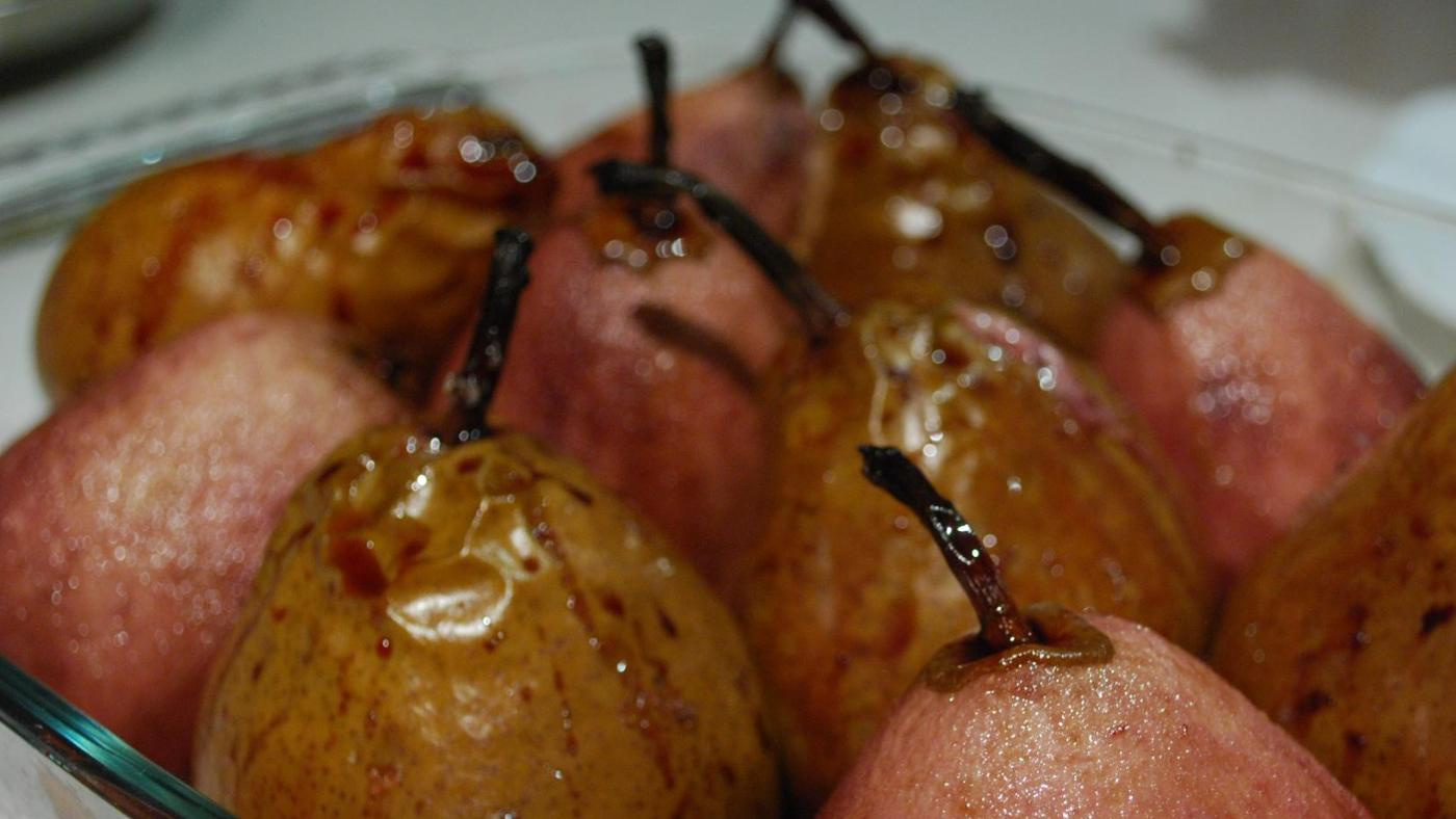 What Are Some Baked Pear Recipes?