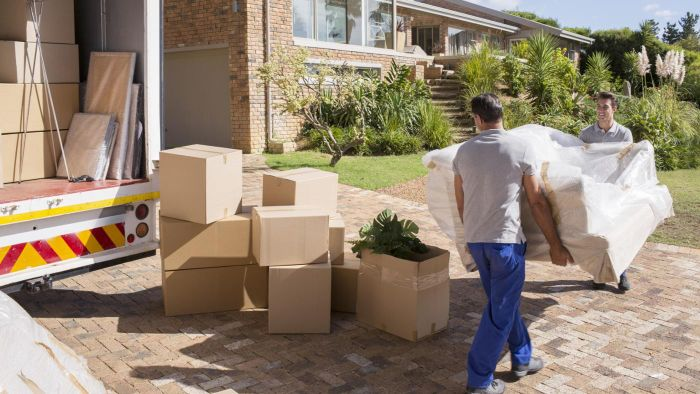 What Are Some Moving Companies That Offer Nationwide Service?