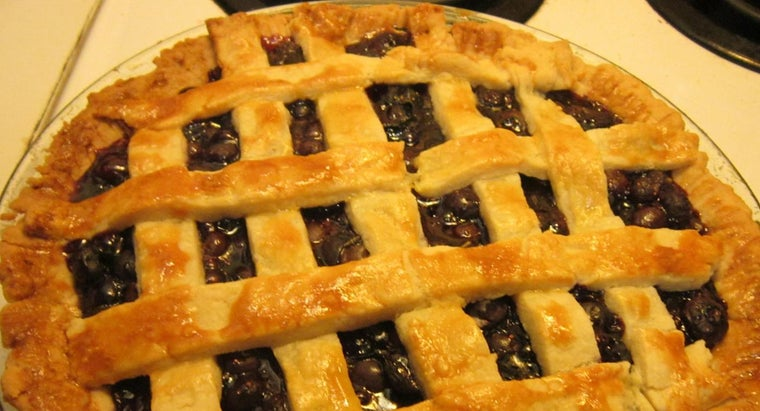 How Do You Make a Paula Deen Blueberry Pie?