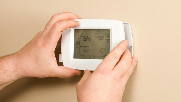 What Are the Advantages of Programmable Thermostats?
