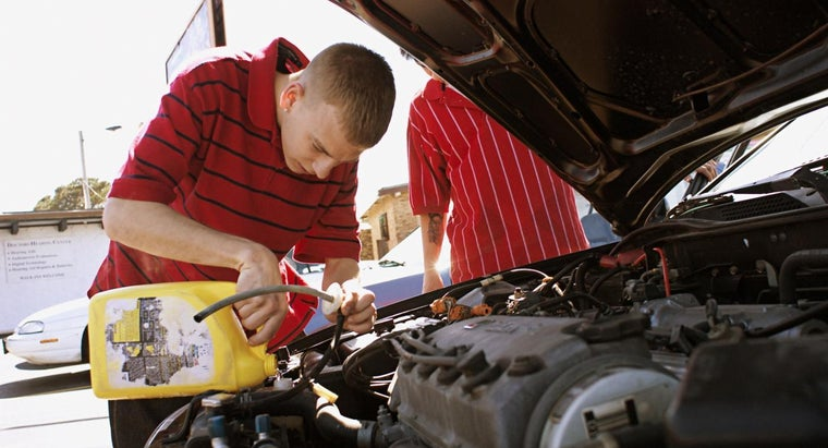 How Do You Determine the Antifreeze Capacity of a Vehicle?
