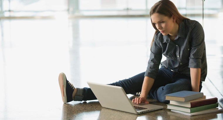What Are Some Popular Online Colleges?