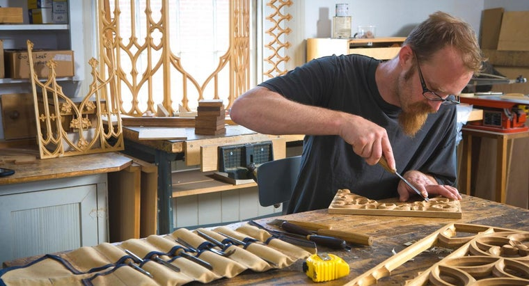 What Are Some Woodcarving Tools and Techniques for Beginners?