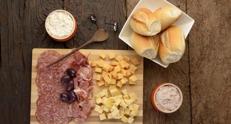 How Do You Make Ro*Tel Dip With Meat and Cheese?