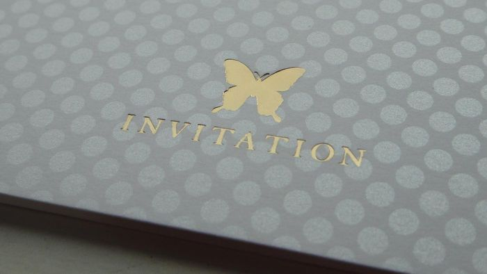 What Are Some Decor Ideas for a Butterfly-Themed Wedding?