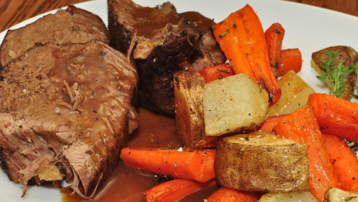 What is a recipe for beef pot roast in the oven?