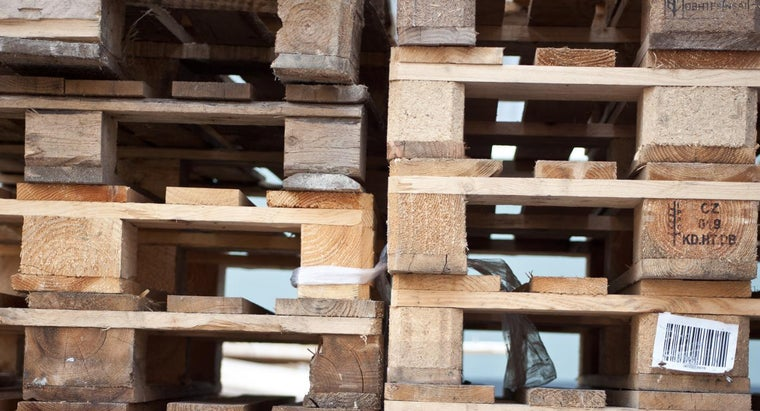 What Are Local Sources for Free Wooden Pallets?