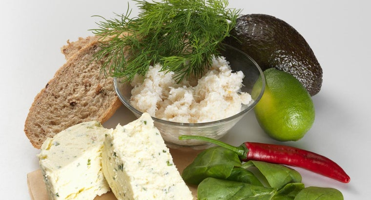 What Is an Easy Crab Cream Cheese Recipe?