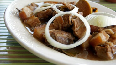 What Is a Recipe for Philippine Pork Adobo?