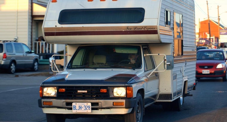 What Should You Look for When Buying Used Truck Campers?