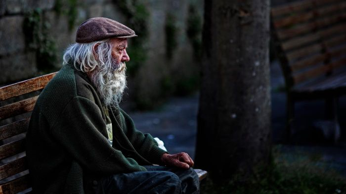 How Do You Find Shelters for Homeless Men?