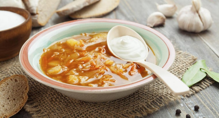 What Is a Jewish Recipe for Cabbage Soup?