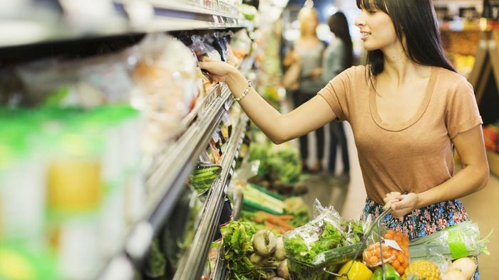 What are some tips for comparing grocery item prices?