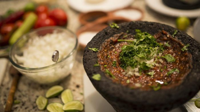 What Ingredients Are Needed to Make Mexican Salsa?