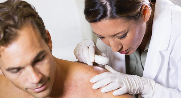 What Are the Visual Symptoms of Melanoma on the Skin?