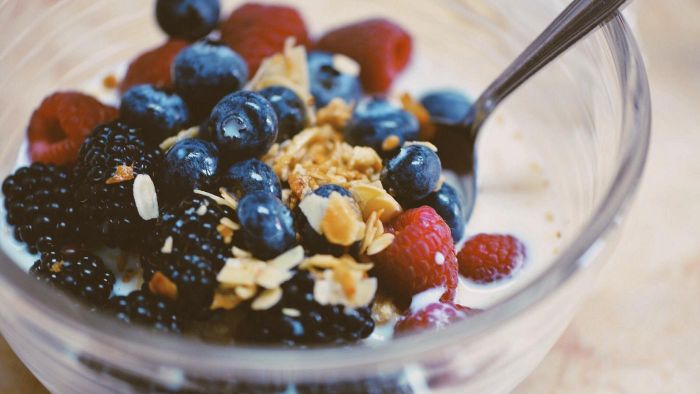 What Are Some Features of a High-Fiber Diet?